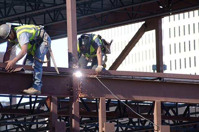 鍛冶工・はつり・とび職人募集中
